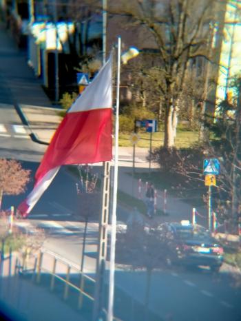 FLAGA NA MASZCIE PRZY STRAŻY POŻARNEJ - KOSKA 4B